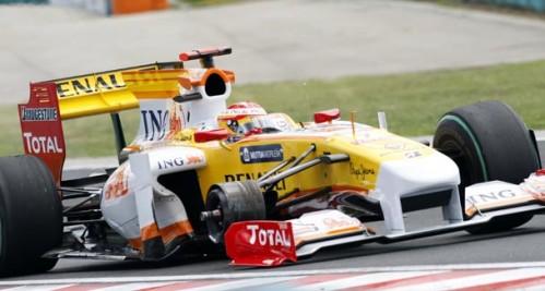 El Renault de Fernando Alonso pierde una de sus ruedas