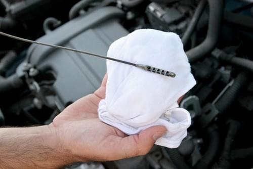 Revisar aceite del coche